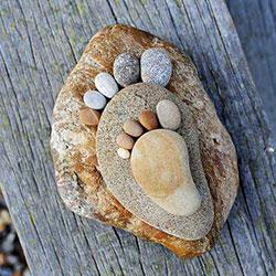 鹅卵石脚丫